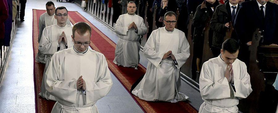 Sześciu alumnów seminarium przyjęło diakonat