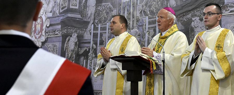 Biskup przypomniał w jaki sposób kochać Ojczyznę
