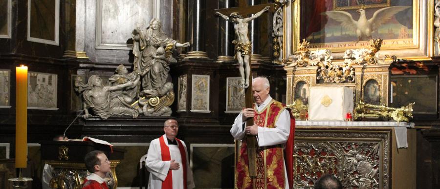 Bądźmy wielbicielami i czcicielami krzyża