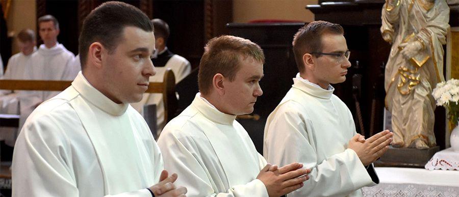 Będą pomagać kapłanowi i diakonowi