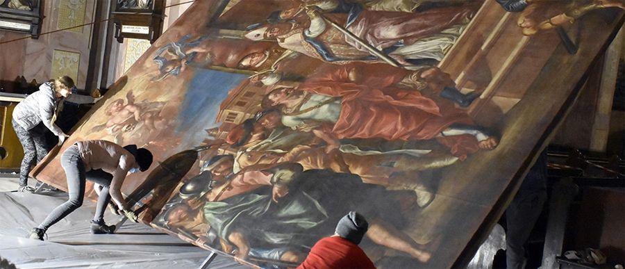Olbrzymie obrazy wracają po renowacji
