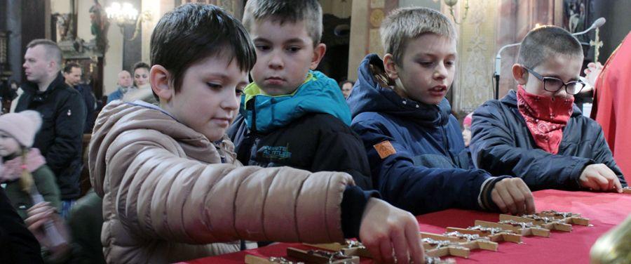 Droga Krzyżowa z udziałem dzieci