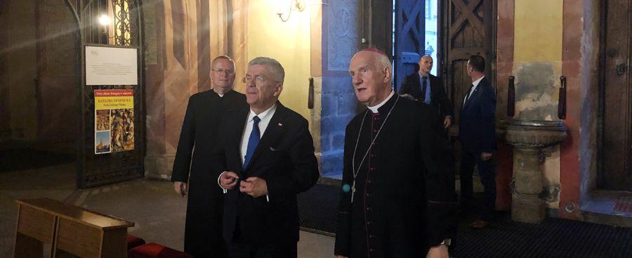 Marszałek Senatu odwiedził świdnicką katedrę
