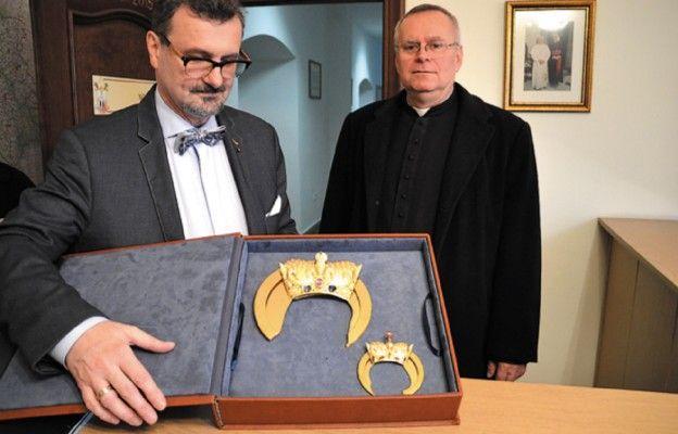 ks. Piotr Śliwka, Mariusz Drapikowski